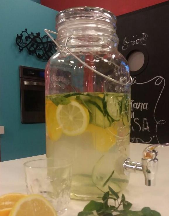 Agua saborizada para tener la panza chata
