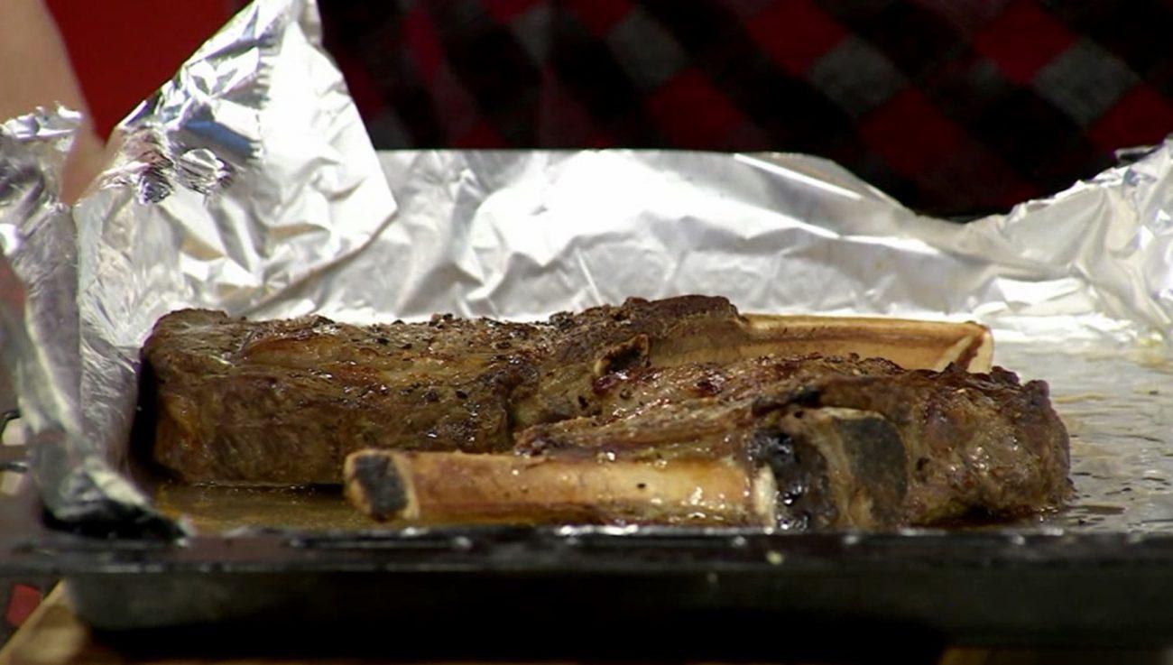 Master beef con Kale, crema de polenta y alioli de cilantro