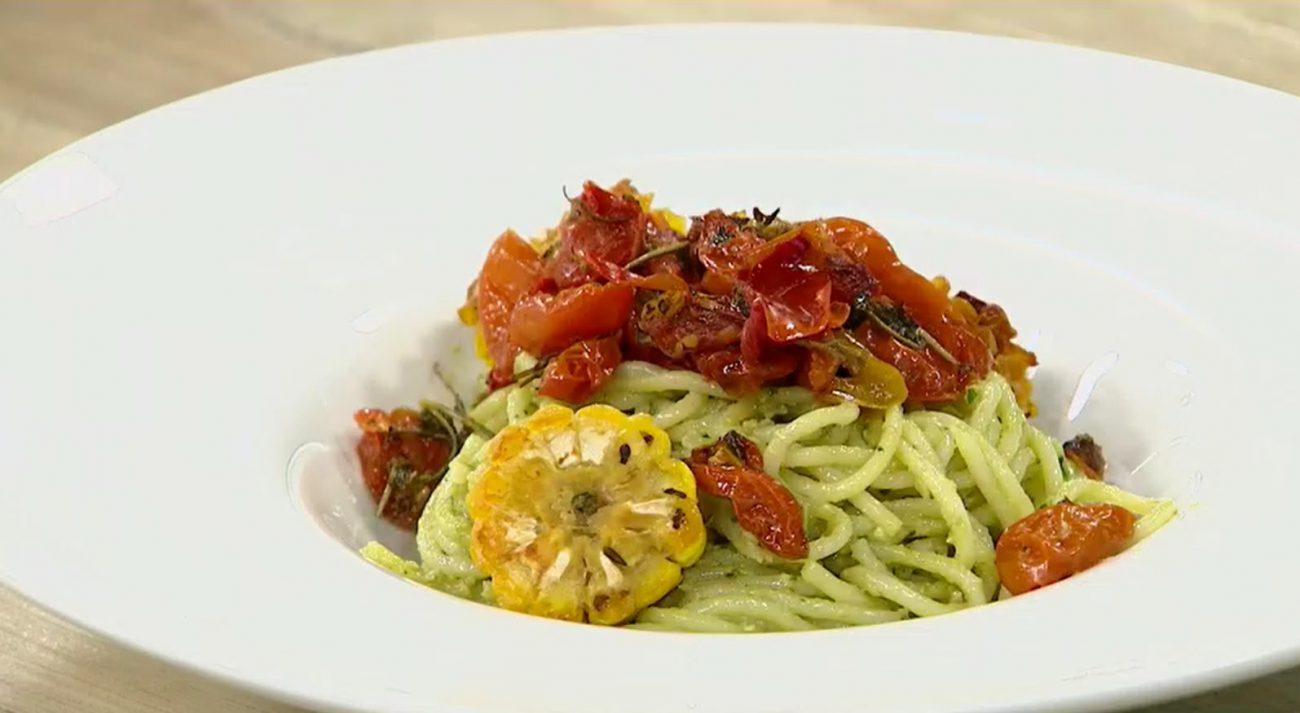 Espaguetis con pesto de palta