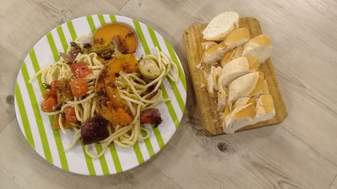 Pasta con chorizo colorado