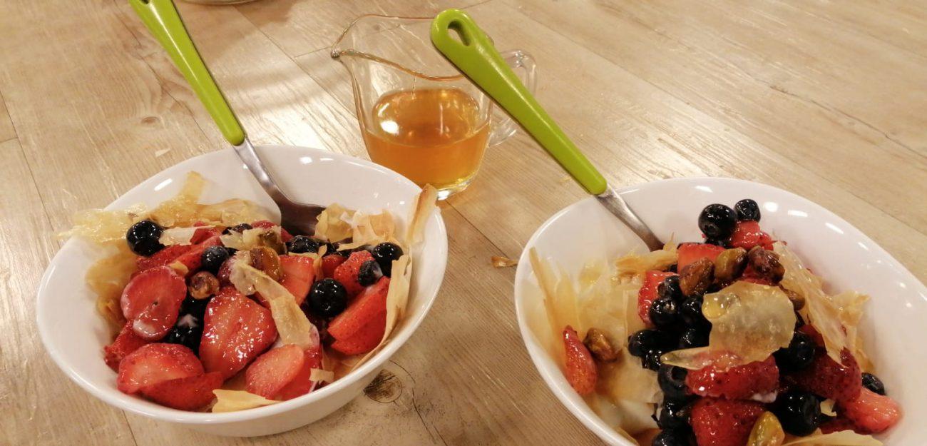 Masa filo con frutos rojos y miel