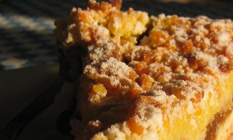 Torta de banana con crumble de avena