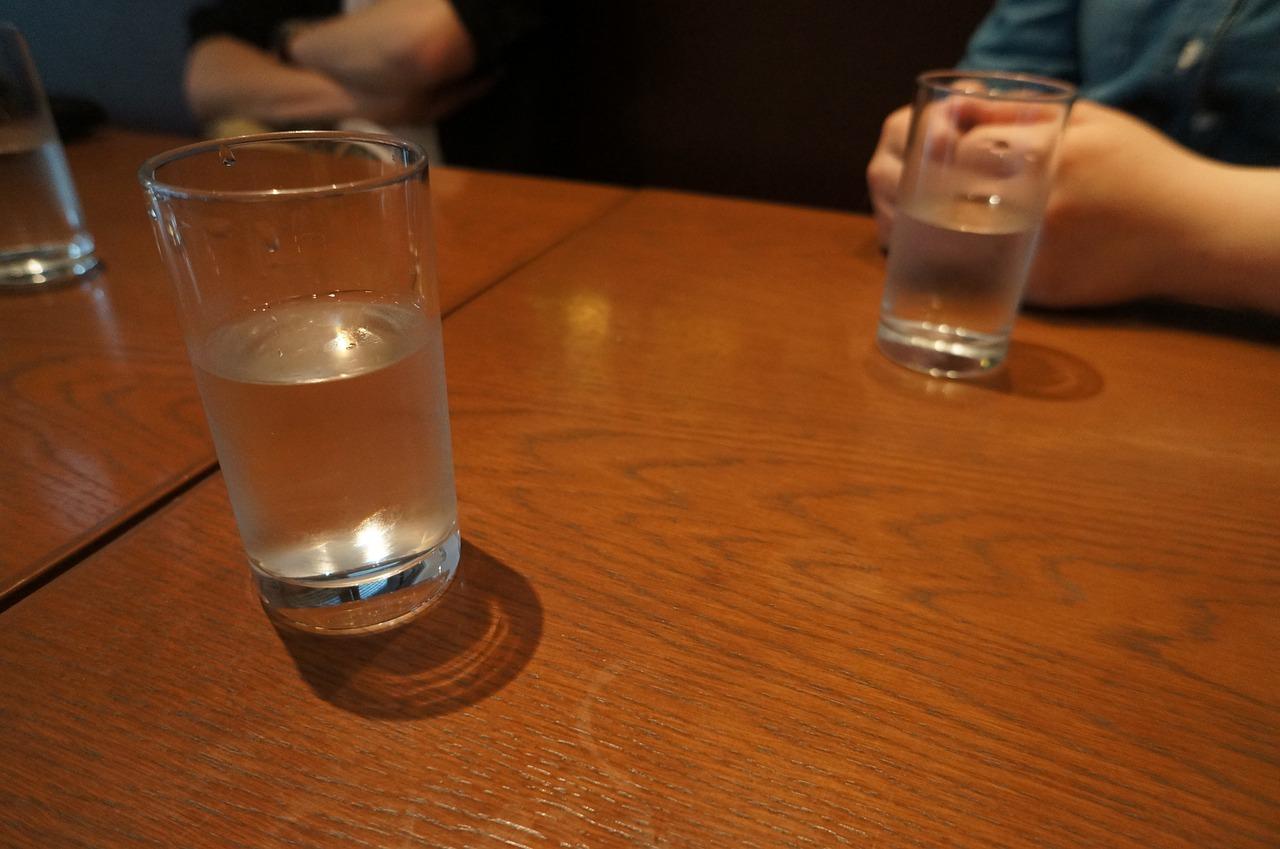 glass-1088601_1280