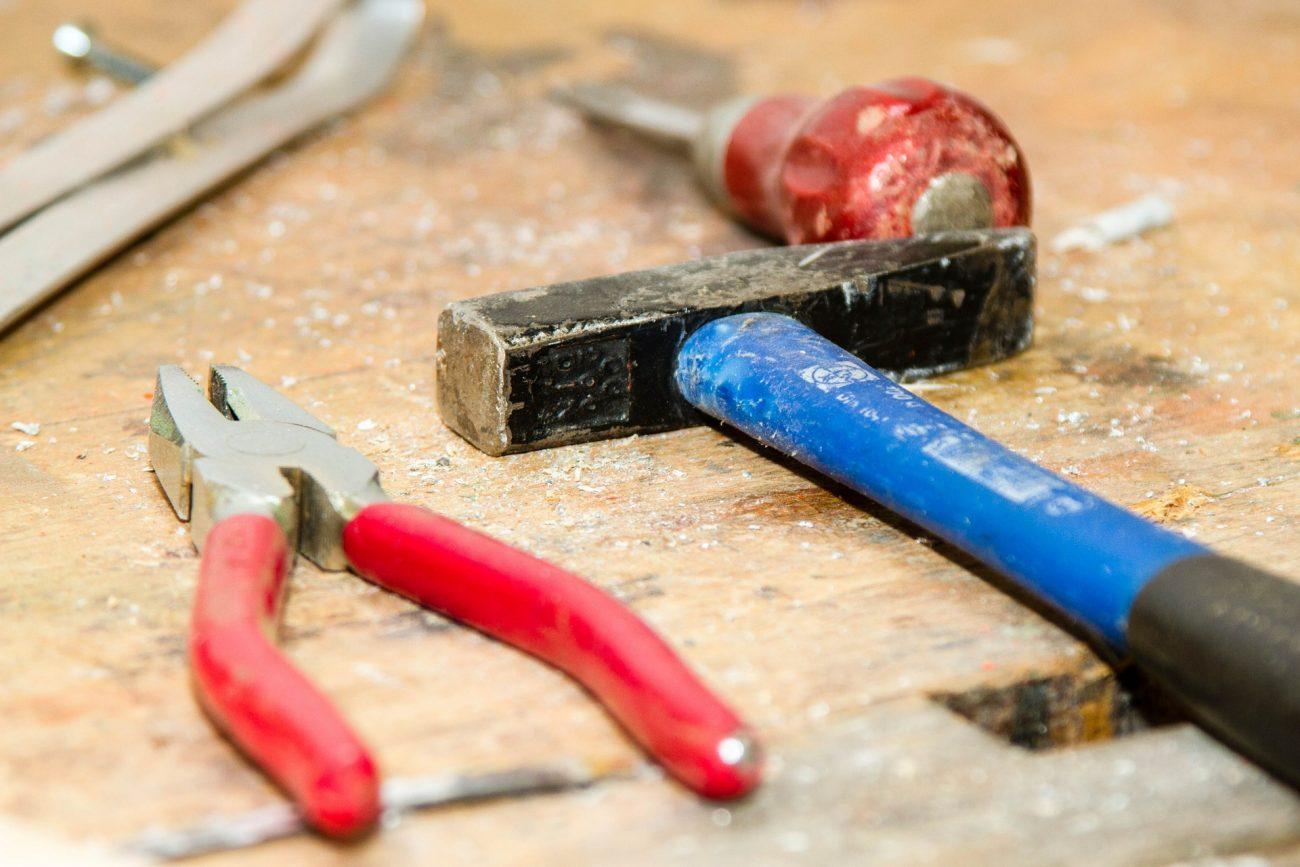 tool-384740_1920