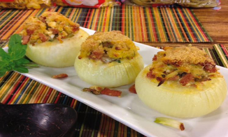 Cebollas rellenas con pasta ADRIA
